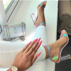 🧚🏽♀️💕 NEW Holographic Iridescent Clear Heels